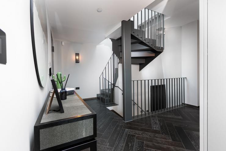 Lovelydays luxury service apartment rental - London - Soho - Great Marlborough St. IX - Lovelysuite - 2 bedrooms - 2 bathrooms - Hallway - 338beebd8165 - Lovelydays