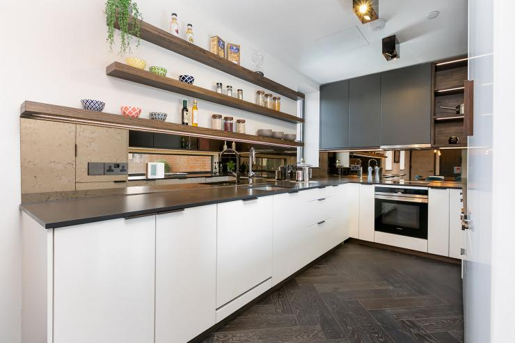 Lovelydays luxury service apartment rental - London - Soho - Great Marlborough St. IX - Lovelysuite - 2 bedrooms - 2 bathrooms - Luxury kitchen - 15d264269c09 - Lovelydays