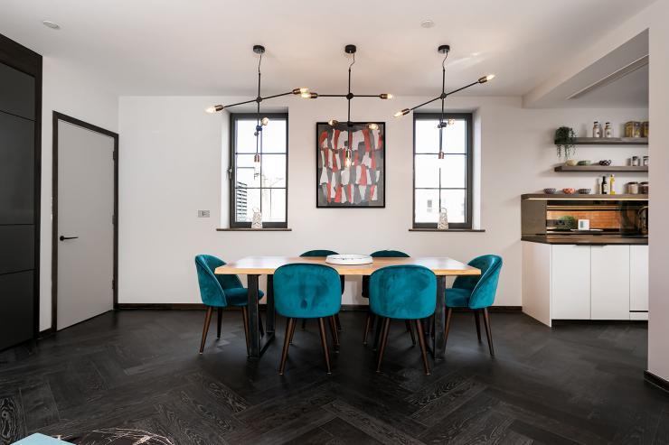Lovelydays luxury service apartment rental - London - Soho - Great Marlborough St. IX - Lovelysuite - 2 bedrooms - 2 bathrooms - Dining living room - 0c10f37a9024 - Lovelydays