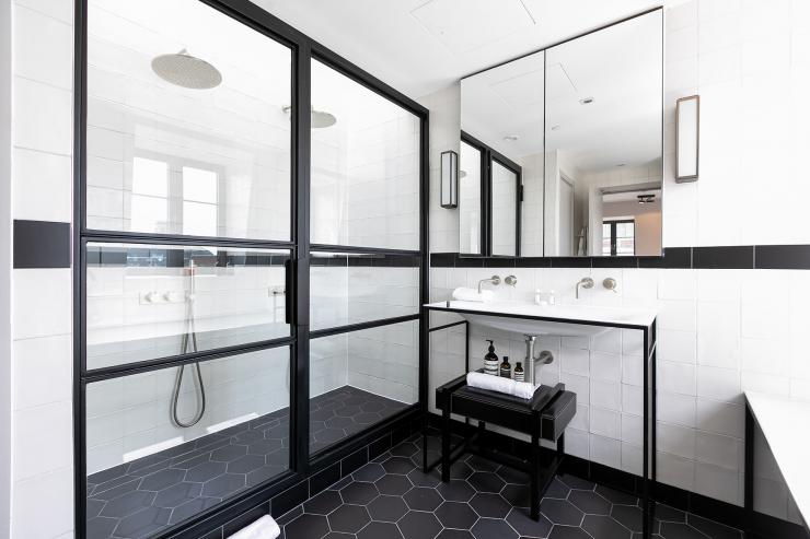 Lovelydays luxury service apartment rental - London - Soho - Great Marlborough St. IX - Lovelysuite - 2 bedrooms - 2 bathrooms - Huge Double shower - edcd94b436bb - Lovelydays