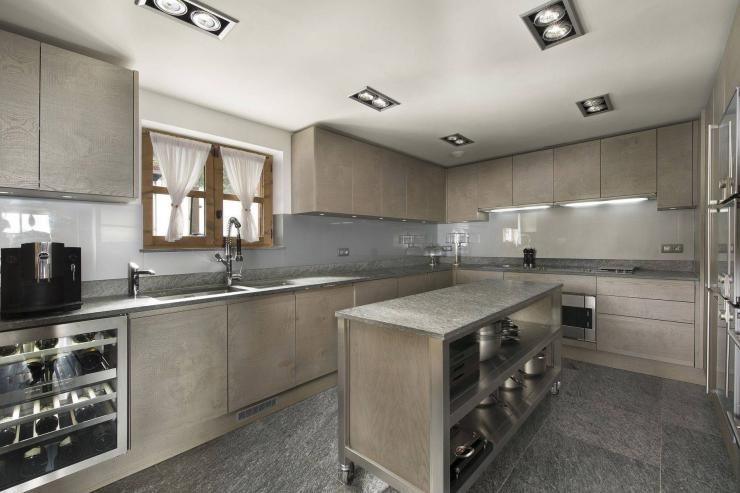 Lovelydays luxury service apartment rental - Courchevel - Great Roc Chalet - Partner - 7 bedrooms - 6 bathrooms - Luxury kitchen - 8a30fdf84408 - Lovelydays