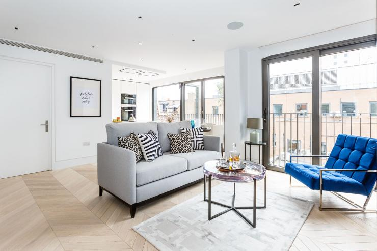 Lovelydays luxury service apartment rental - London - Fitzrovia - Newman Street IV - Lovelysuite - 2 bedrooms - 2 bathrooms - Luxury living room - rent luxury apartment london - d961e5994d04 - Lovelydays