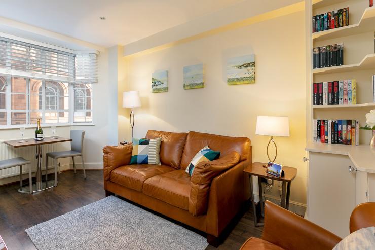 https://lovelydays.com/images/properties/img/Sloane-Avenue/Sloane-Avenue-03fca4212b75.jpeg