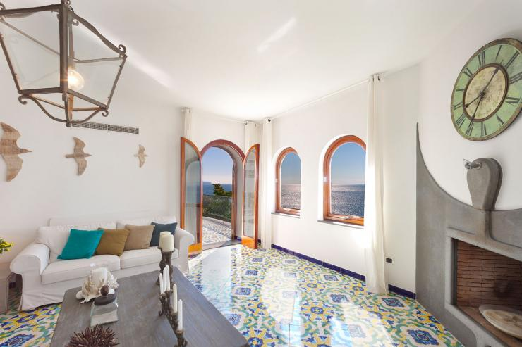 <p>Lovelydays Luxury Rentals introduce you pictures of a charming house in the heart of Sorrento Peninsula</p>