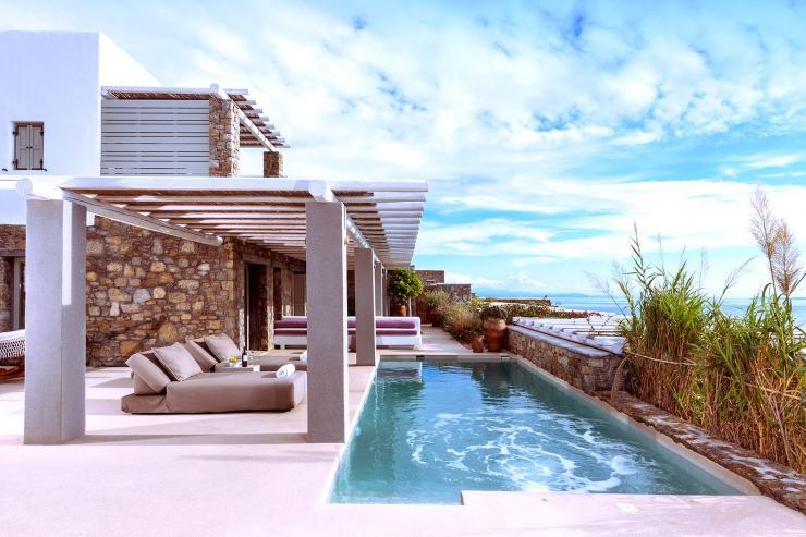 https://lovelydays.com/images/properties/img/Villa-Clio/Villa-Clio-0f261834751a.jpg