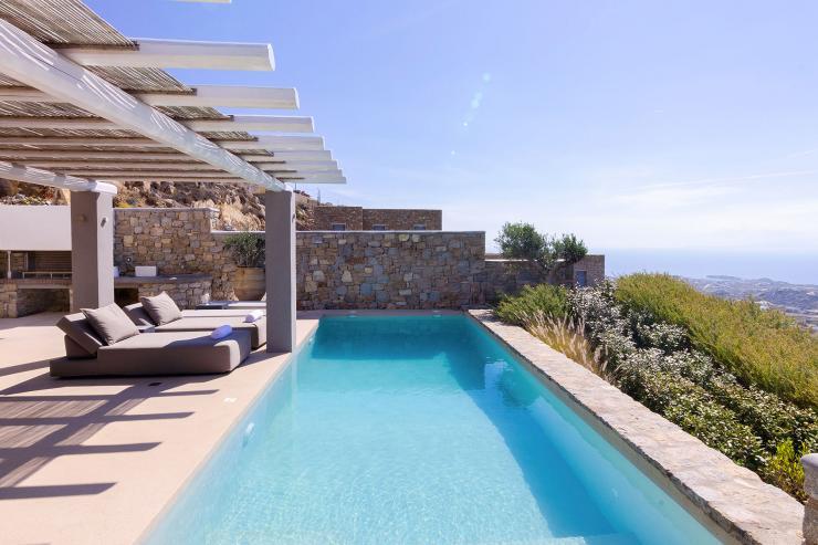 https://lovelydays.com/images/properties/img/Villa-Doris/Villa-Doris-14f755a6e612.jpg