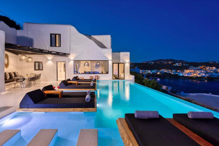 https://lovelydays.com/images/properties/img/Villa-Erebus/Villa-Erebus-fe1b7fcdb8b4.jpg