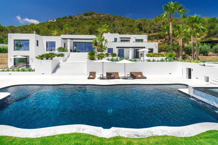 https://lovelydays.com/images/properties/img/Villa-Estrella/Villa-Estrella-e0ce192d2230.jpg