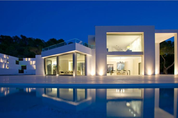 https://lovelydays.com/images/properties/img/Villa-Eterea/Villa-Eterea-5fea75a84997.jpg