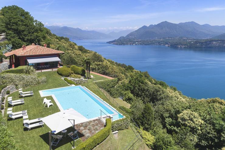 https://lovelydays.com/images/properties/img/Villa-Furrina/Villa-Furrina-5b1cab58448a.jpeg