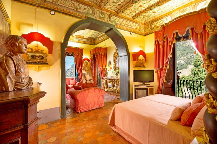 <p>Lovelydays Luxury Rentals introduce you pictures of a charming house in the heart of Positano</p>