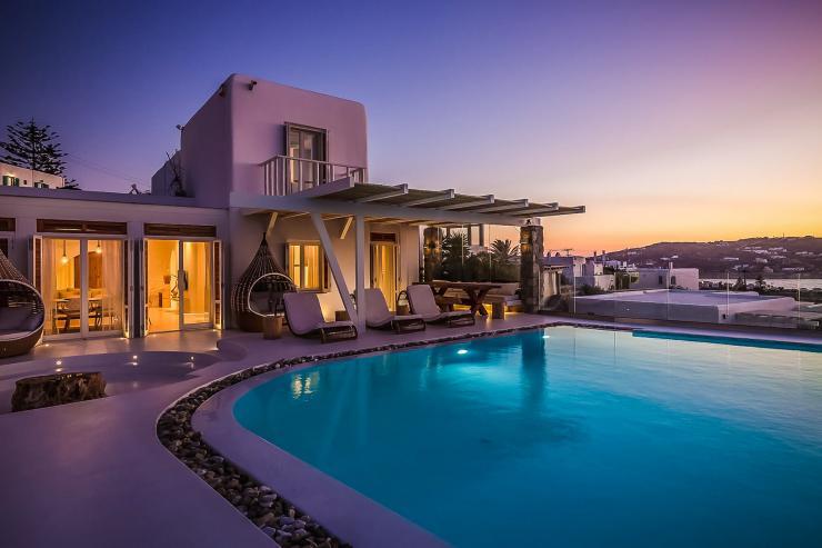 https://lovelydays.com/images/properties/img/Villa-Hera/Villa-Hera-419e322426ab.jpg