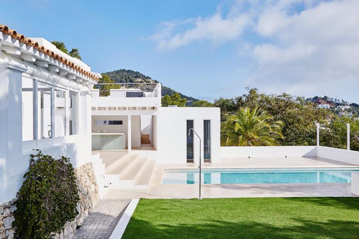 https://lovelydays.com/images/properties/img/Villa-Jemma/Villa-Jemma-ceb9d79f01d7.jpg