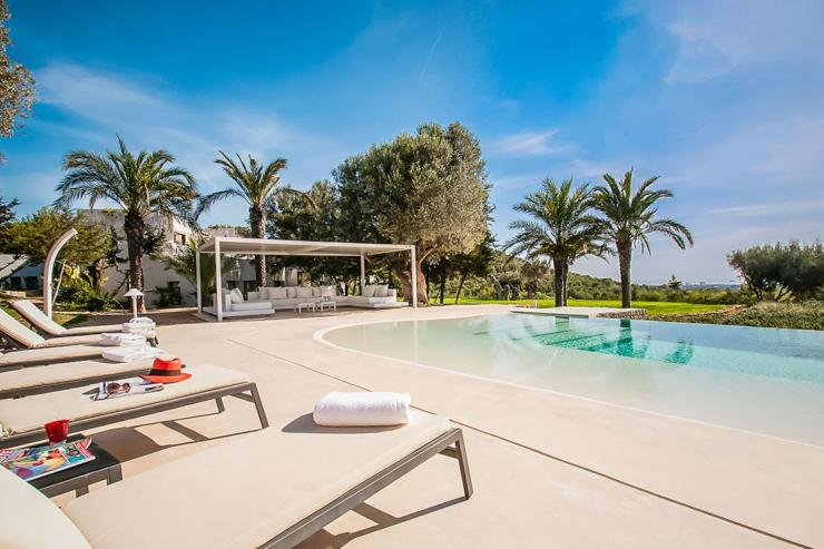 https://lovelydays.com/images/properties/img/Villa-Leticia/Villa-Leticia-173ab5caf500.jpg