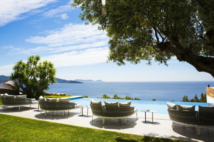 https://lovelydays.com/images/properties/img/Villa-Meliflua/Villa-Meliflua-787a0224cfde.jpg