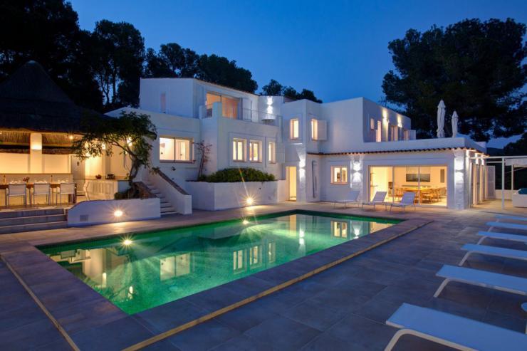 https://lovelydays.com/images/properties/img/Villa-Milagro/Villa-Milagro-d1f5fee775f8.jpg