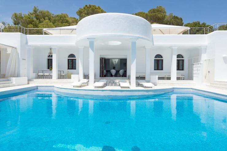 https://lovelydays.com/images/properties/img/Villa-Noelia/Villa-Noelia-744b07a46fbb.jpg