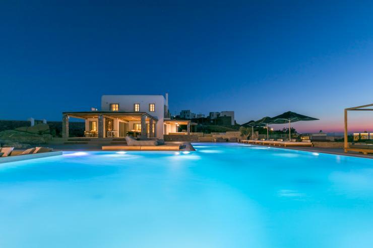 https://lovelydays.com/images/properties/img/Villa-Notus/Villa-Notus-a89bdfe2fd39.jpg