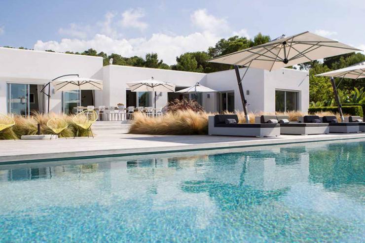 https://lovelydays.com/images/properties/img/Villa-Oleada/Villa-Oleada-93b5e5ef49c9.jpg