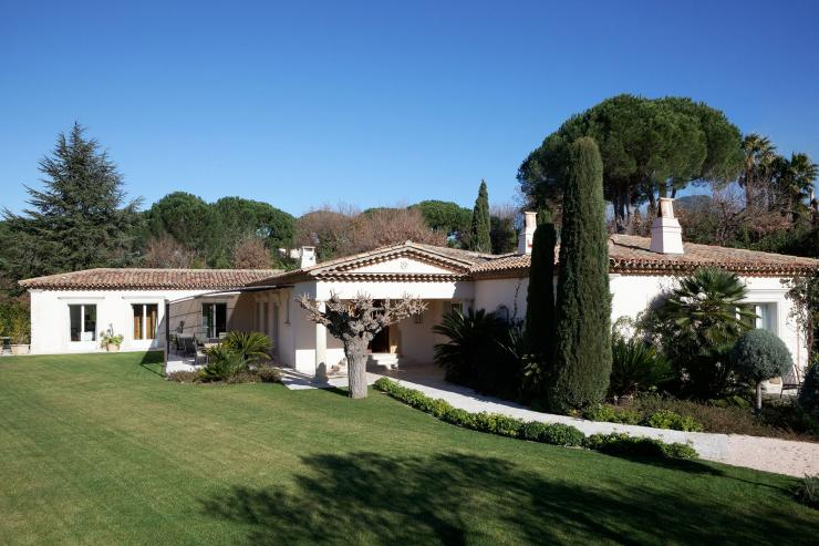 https://lovelydays.com/images/properties/img/Villa-Plantamour/Villa-Plantamour-f78ea5733dae.jpeg