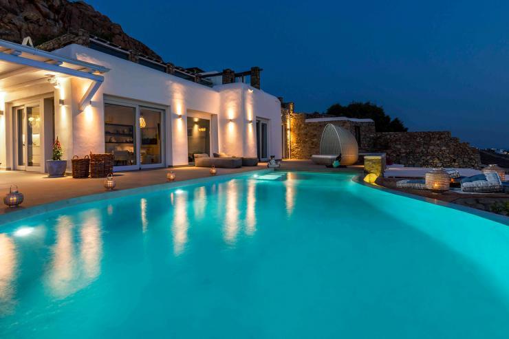 https://lovelydays.com/images/properties/img/Villa-Pollux/Villa-Pollux-762222f08ca4.jpg