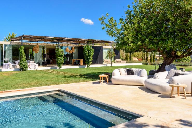 https://lovelydays.com/images/properties/img/Villa-Talia/Villa-Talia-29a3c18bdba9.jpg