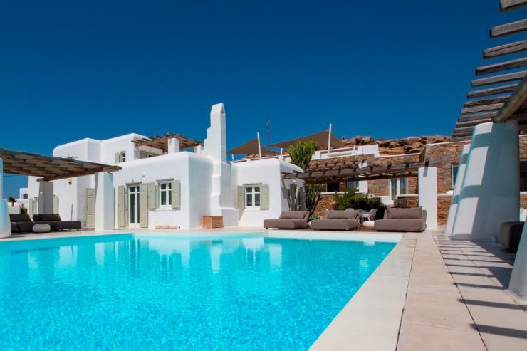 https://lovelydays.com/images/properties/img/Villa-Zeus/Villa-Zeus-0c0ae8e6c0ea.jpeg