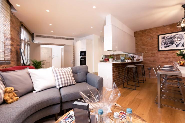 Lovelydays luxury service apartment rental - London - Fitzrovia - Wells Mews B - Lovelysuite - 2 bedrooms - 2 bathrooms - Luxury living room - 6d6db2383742 - Lovelydays