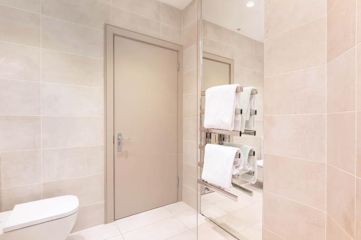 Lovelydays luxury service apartment rental - London - Fitzrovia - Wells Mews B - Lovelysuite - 2 bedrooms - 2 bathrooms - Lovely shower - b9453aad3e9d - Lovelydays
